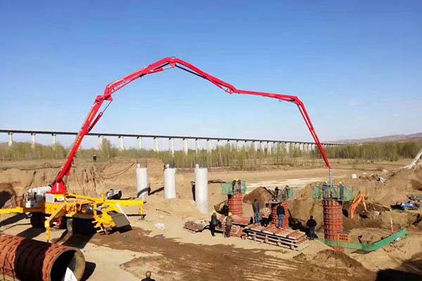 河北nong建泵che小型混凝土shusong泵