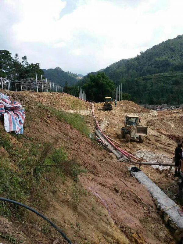 微型混ning土shusong泵协助板qiao村施工项目圆满完成